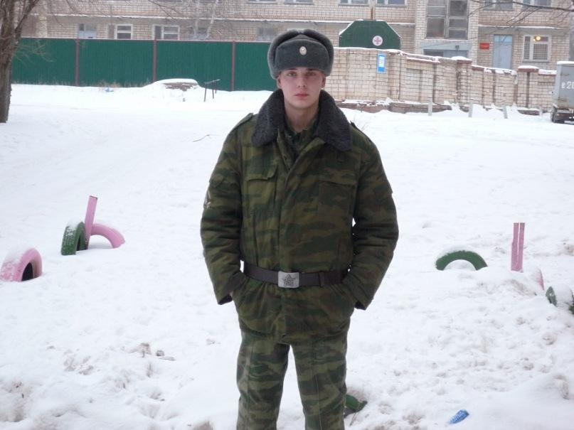 В увольнении, возле армейского госпиталя, 2010 год, Оренбургская обл., Тоцкое-4