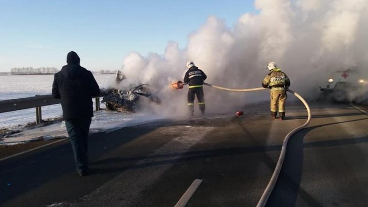 Стали известны подробности смертельного ДТП с горящей машиной