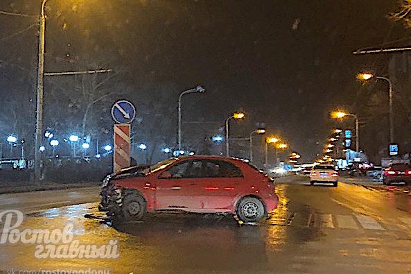 За сутки в Ростове случилось два серьезных ДТП. Пострадала 3-летняя девочка