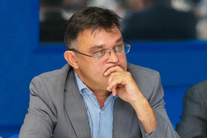 Юрий Кузнецов возглавляет управление по земельным ресурсам мэрии и занимает пост заместителяначальника департамента земельных и имущественных отношений