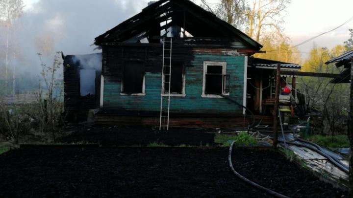 В ночном пожаре на Бревеннике погиб пенсионер