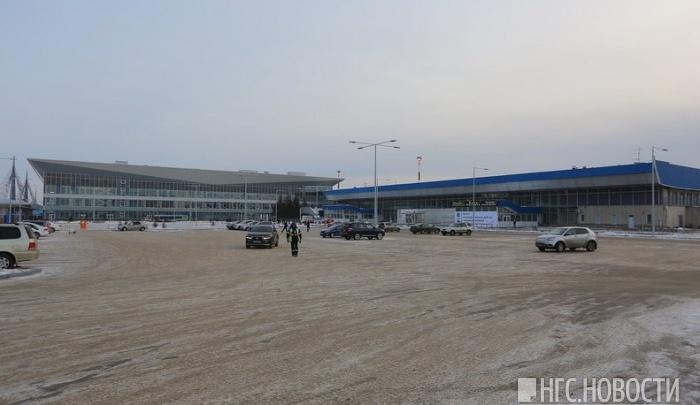 У нового терминала аэропорта возобновились войны таксистов