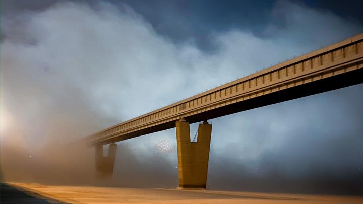 Завтра такого уже не будет: новосибирцы сделали завораживающие кадры ночного тумана