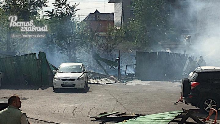 «Перед пожаром слышали хлопок»: на Северном сгорела стройка