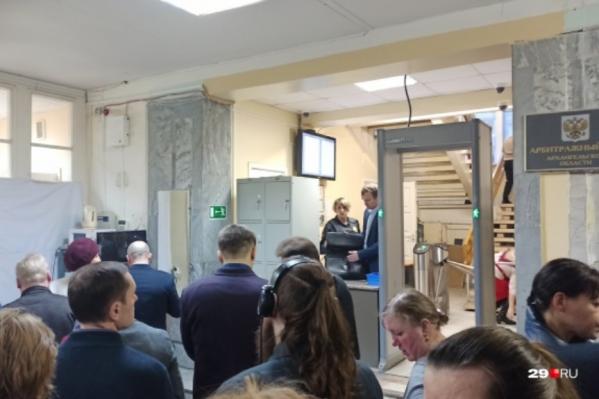 На судебные заседания по делу «Технопарка» и администрации Ленского района приходят десятки человек