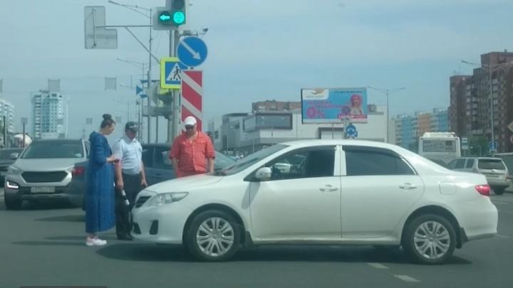 День не задался: на Московском шоссе в Самаре одновременно произошли две аварии