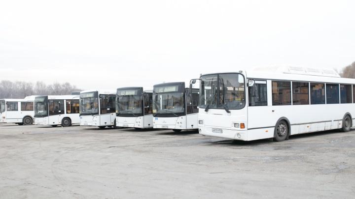 Как «просыпаются» автобусы: машины на ходу задолго до выезда на маршрут