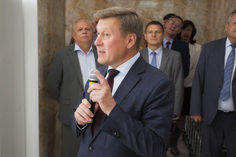 Анатолий Локоть сообщил, что помнит магазин ещё со времён, когда был ребёнком