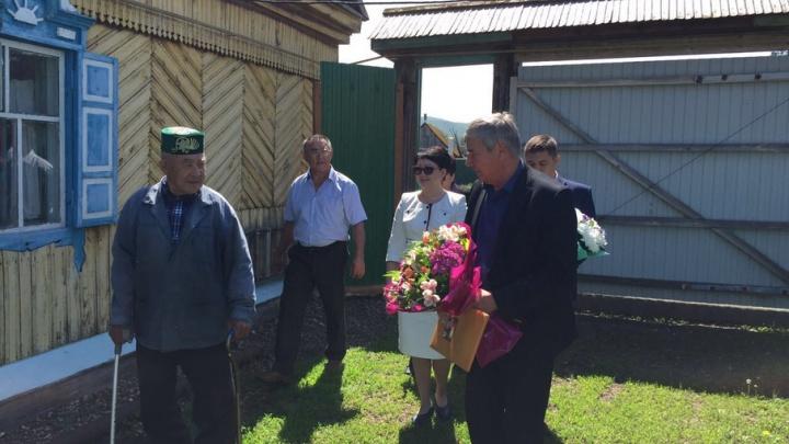 Дмитрий Медведев поздравил семью из Башкирии с годовщиной свадьбы
