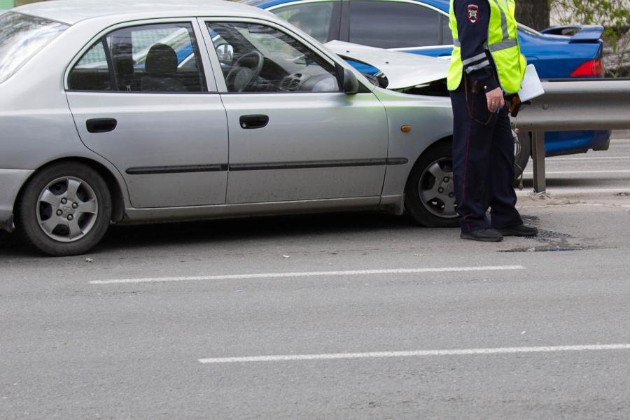 Шофёр сбил пешехода и убежал сместа ДТП вНовосибирске