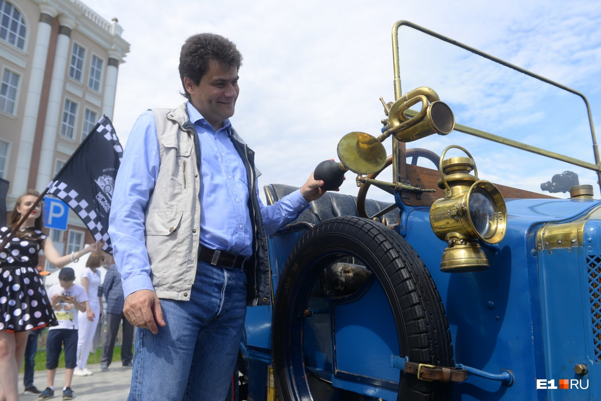 Александр Высокинский на ретроралли в Верхней Пышме