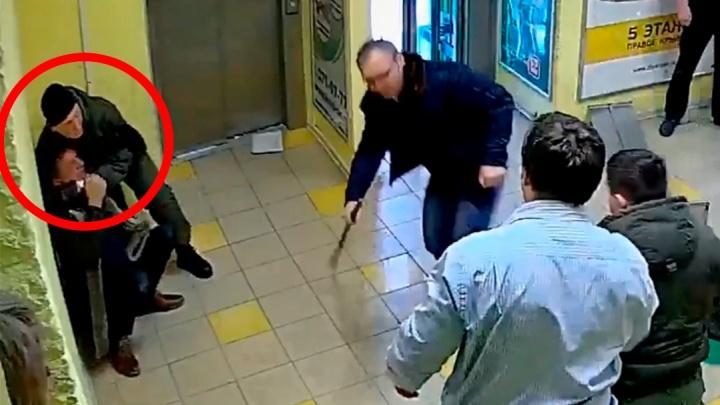 Полиция отправила в изолятор одного из охранников ЧОПа, избивших директора ЭМА
