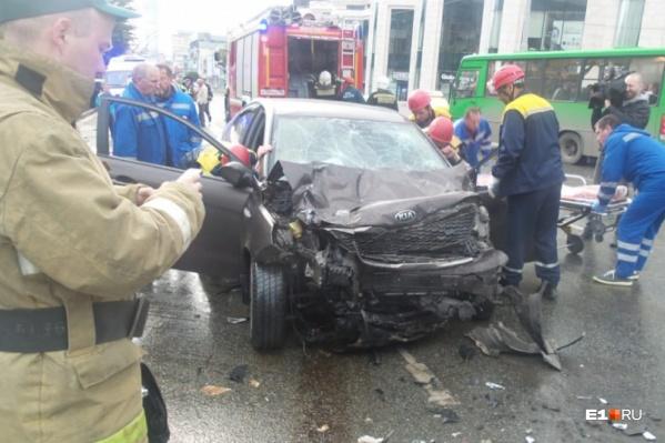 Авария случилась рано утром в воскресенье