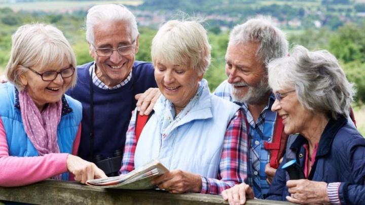 Английский, модные показы и финансовая грамотность: заработал новый образовательный клуб для пенсионеров