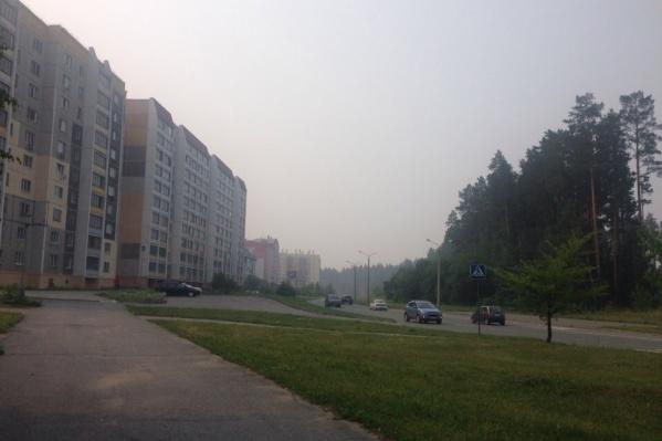 Жители Снежинска с утра делятся снимками белой пелены над городом