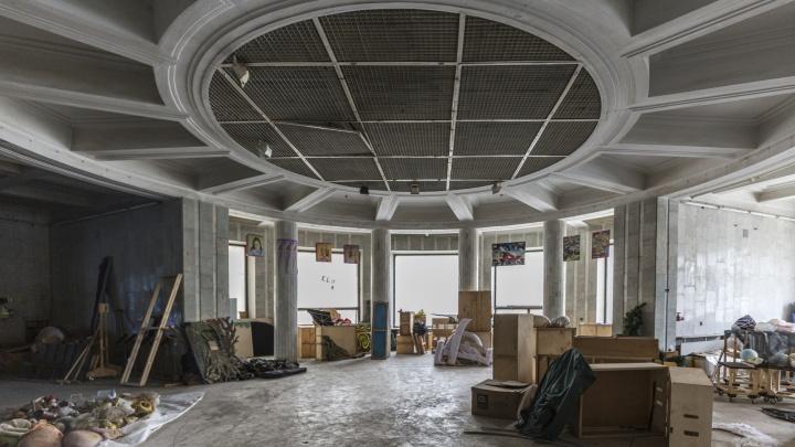 «Инвесторов не нашлось»: в бывшем волгоградском ЦУМе делят места под выставки