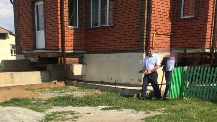 Главу райцентра в Челябинской области задержали по делу трёхлетней давности с ущербом в 10 миллионов