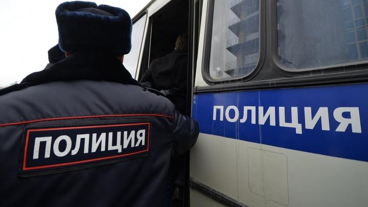 Свердловские полицейские накрыли банду, которая делала фальшивые документы для мигрантов