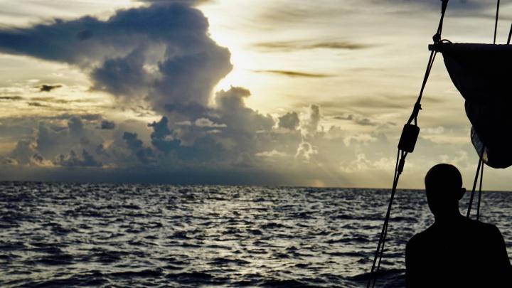 «Страха не было»:семья сибиряков обошла ураган «Ирма» на маленькой яхте