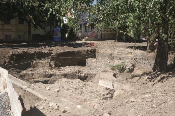 Раскопки наПетровском бульваре продолжаются