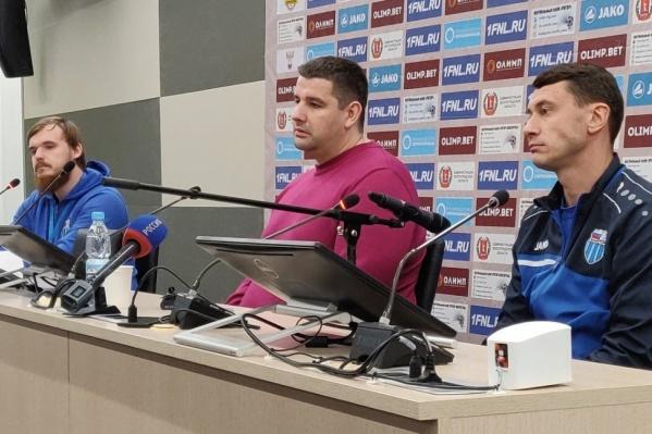 Чаша терпения волгоградских болельщиков переполнилась после отставки Роберта Евдокимова