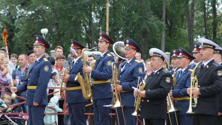 Скульптурная резьба и «ослепительный камуфляж»: 29 июня Архангельск отметит День кораблестроителя