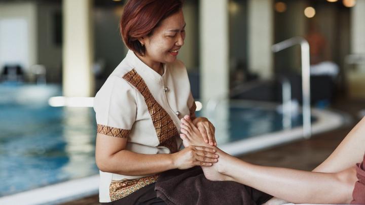 Дома так не отдохнешь: солнце, бикини и тайский массаж