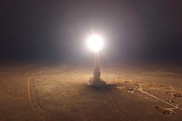 Запуск военной ракеты немного похож на старт космического корабля
