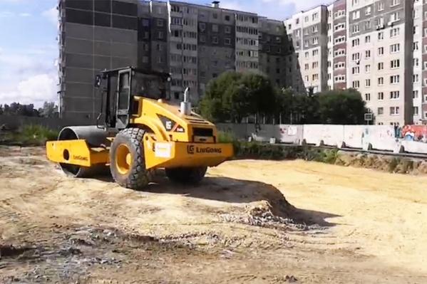 Работы на участке, пустовавшем восемь лет, возобновились в июне