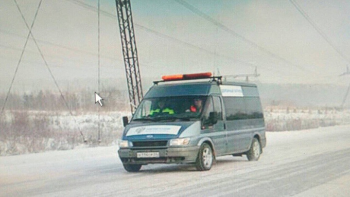 Из-за морозов на трассы выпустили автомобили с валенками и горячим чаем для замерзших водителей