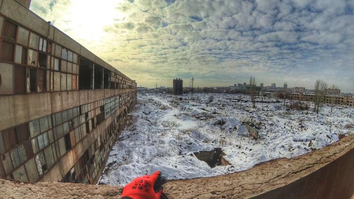 «Шедевры уйдут навсегда»: волгоградские сталкеры сняли закоулки Тракторного завода