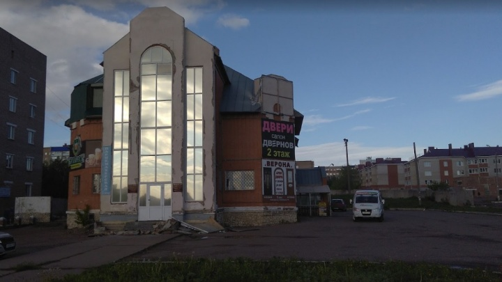 Неисправная пожарная сигнализация и хлам на выходе: в Башкирии закрыли торговый центр
