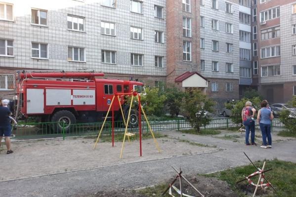 Пожар в подвалах произошел вечером 26 июня