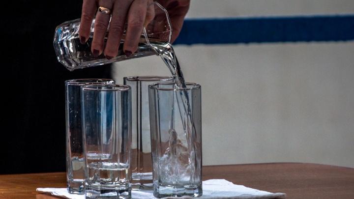 «Вода не заражена!»: коммунальные службы призывают самарцев не верить лжецелителям