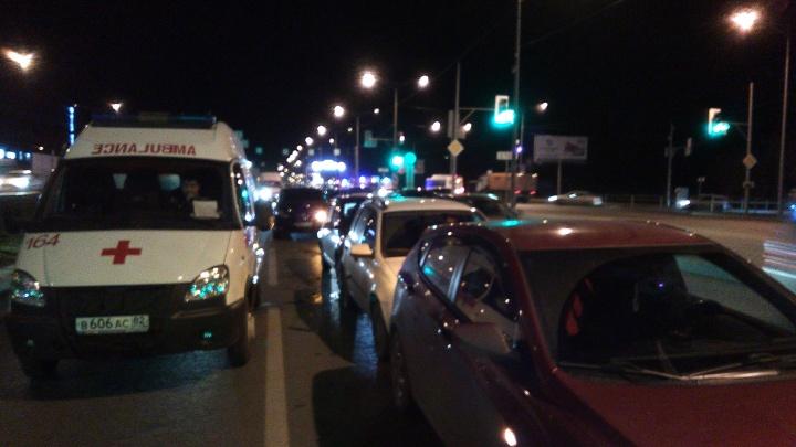 «Шесть машин. Паровозик»: на Московском шоссе в Самаре произошло массовое ДТП