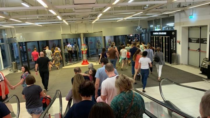 В Самаре в торговом центре «Мега» эвакуировали 400 человек