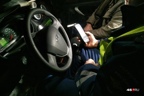 Девять водителей сели за руль нетрезвыми повторно