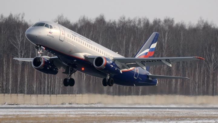 Омские споттеры сфотографировалисгоревший в Шереметьево самолет за несколько дней до катастрофы