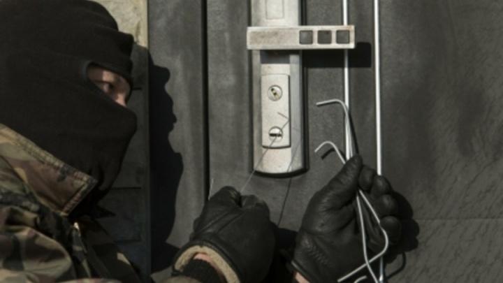 Названы районы Челябинска, где чаще всего грабят квартиры