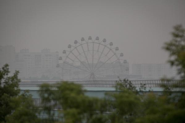 Дым задержится ещё на несколько дней, а в город придут дожди и грозы