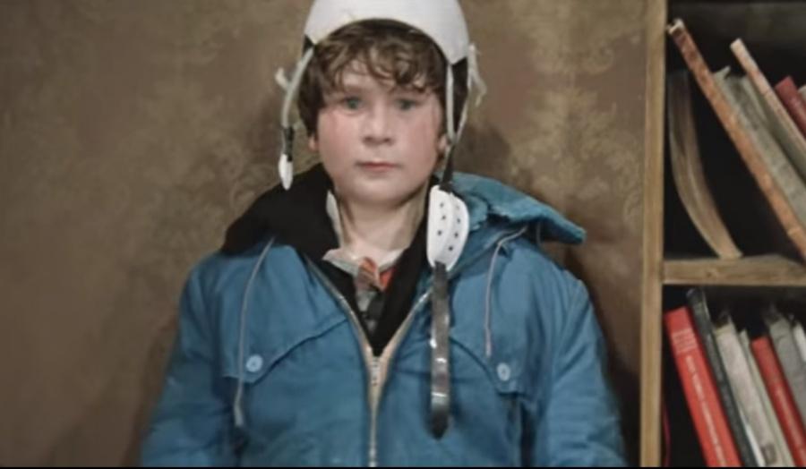 Николая Румянцева все знают как мальчика Петю который не хочет чистить картошку