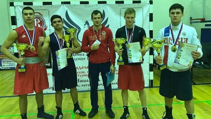 «Дай пять»: волгоградские боксёры завоевали медали на турнире чемпиона мира Дениса Лебедева