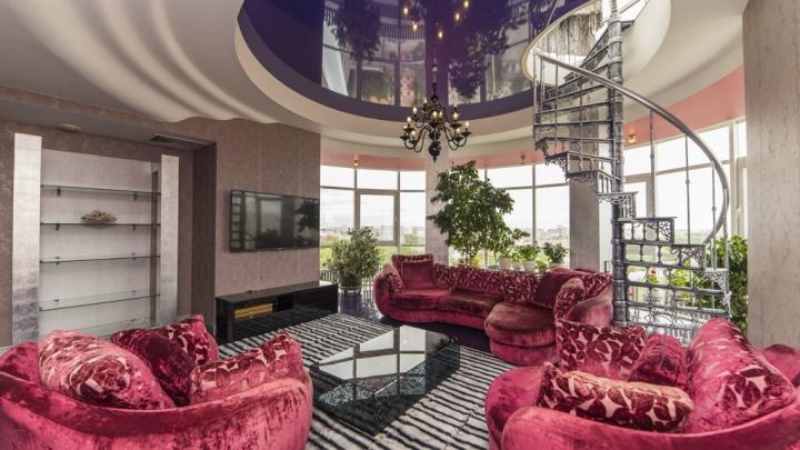 На ВИЗе выставили на продажу шикарную квартиру с террасой на крыше в 150 квадратных метров