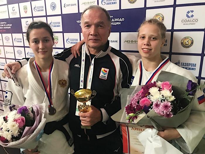 Яна Полякова (справа) и Наталья Голомидова (слева) снова привезут в Екатеринбург медали