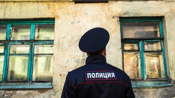 В Бердске возле общежития найден труп мужчины