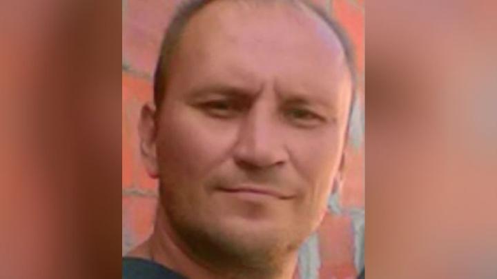 Вышел из больницы и исчез: в Ярославле странным образом пропал очень высокий мужчина