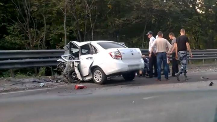 Протаранил на встречке: в Самарской области в ДТП погибли водители 2 легковушек