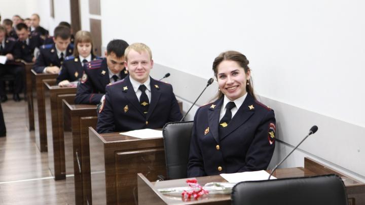 Учили генералов, судей и чиновников: в Волгограде факультет академии МВД отмечает 15-летие