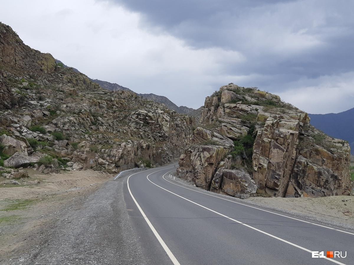 Дорога обратно. Это место называют Каменными воротами