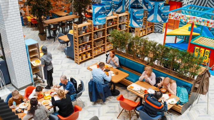 Бизнес-ланч после шопинга: уральцы смогут быстро поесть в новом ресторане-маркете «Гринвича»